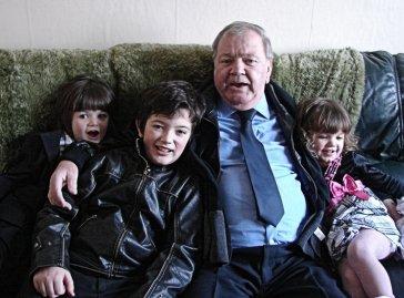 kenneth Jamison with grandchildren